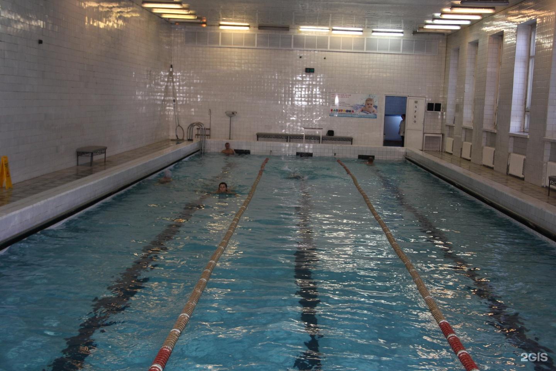 Фото скрытое в раздевалке бассейна института 18 фотография